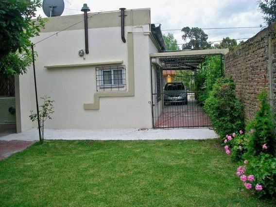 Casa Venta 2 Dormitorios, Parrilla Y Piscina -lote De 10 X 30 Mts - Punta Lara