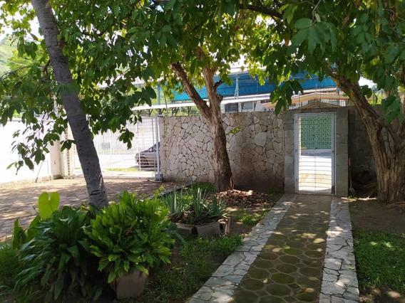 Venta Casa En La Floresta 04243366292