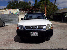 Nissan Np300 2.4 Pick-up Dh Mt