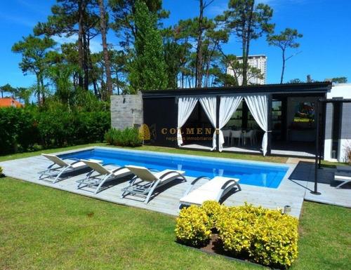 Moderna Casa Playa Mansa  - Punta Del Este  - 5 Dorm.- Ref: 3497