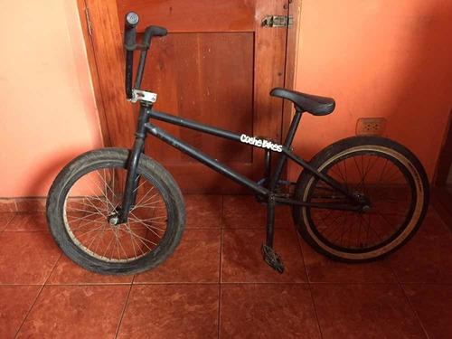 Imagen 1 de 1 de Bicicleta Bmx Armada Con Piezas Kink (negociable)