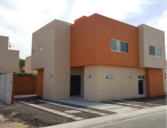 Hermosa Casa, Nueva, Amplia E Iluminada, Puerta Real