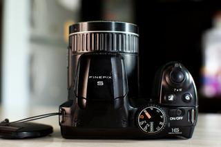 Camara Fujifilm Finepix S4830 Zomm 30x 16 Mega Pixeles