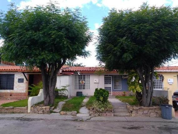 Casa En Venta En Copacoa Cabudare Lara 20-9766