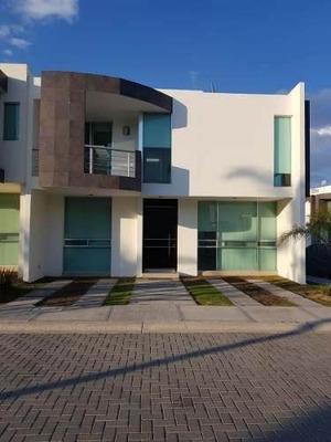 Preciosa Residencia En Valle De Juriquilla, 3 Recámaras, Tapanco, Jardín, Luxury