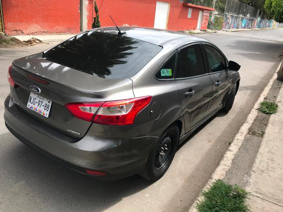 Ford Focus 2013 Standar