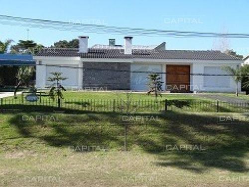 Casa En Punta Del Este En Alquiler - Ref: 25046
