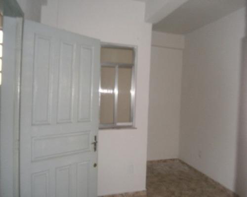 Casa 2 Quartos Salão Área Banheiro Cascadura - Aeloc2005