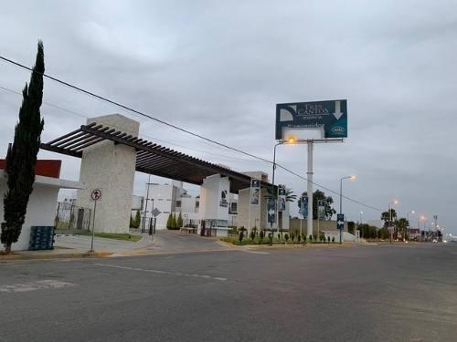 Renta De Casa Amueblada En Tres Cantos, Cuautlancingo