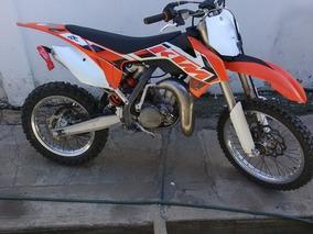 Moto De Motocross Ktm 85cc Color Anaranjado 10 Horas De Uso