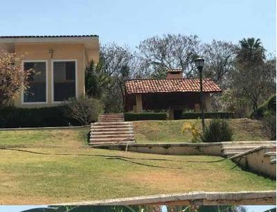 Renta Bonita Casa Con Enorme Jardin En Las Cañadas