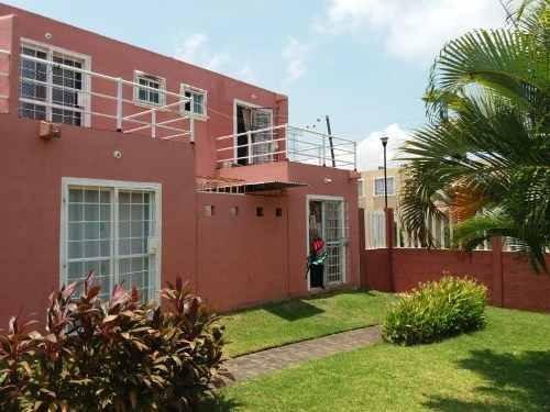 Casa Sola En Venta Fraccionamiento Villa Tulipanes