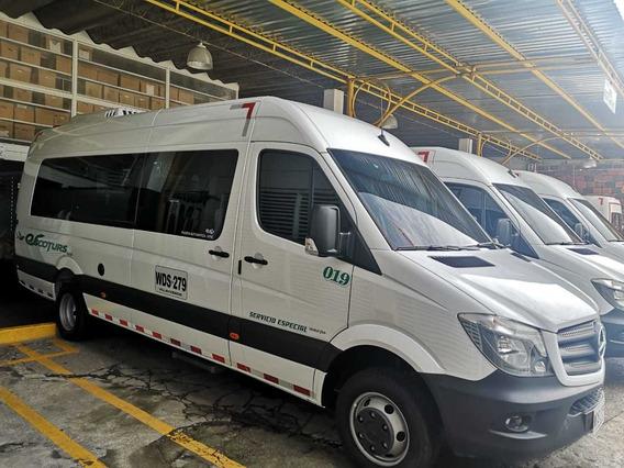 Microbus Mercedes Benz Blanco 3 Puertas 2020