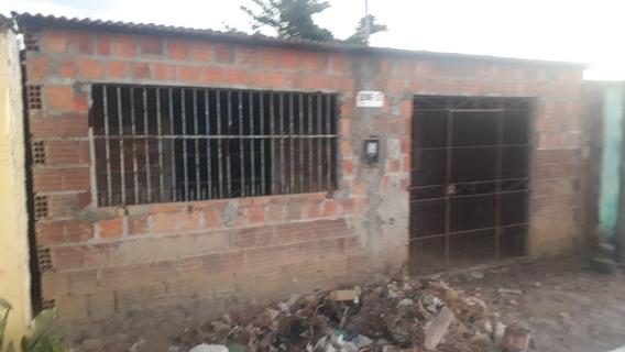 Casa 2 Quartos , 1 Sala ,1 Cozinha 1 Banheiro