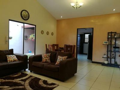 Ma Asesorías Vende Casa En Alta Moravia, San José