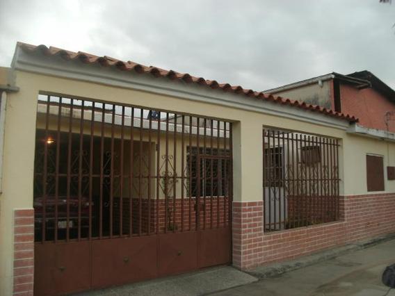 Casa En Venta Obelisco Lara Rahco
