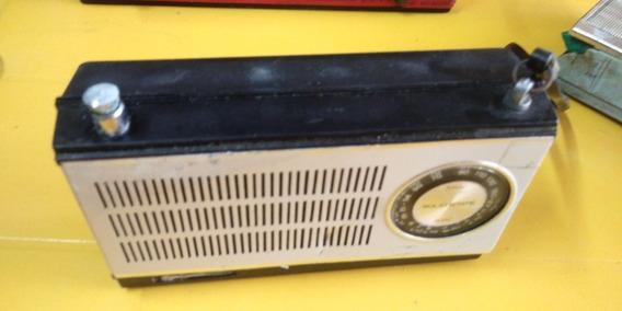 Radio Antigo De Mao Sanyo , Nao Sei A Marca No Estado