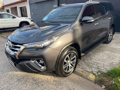 Imagen 1 de 5 de Toyota Sw4 2016 3.0 Srv Cuero 171cv 4x4 - E4