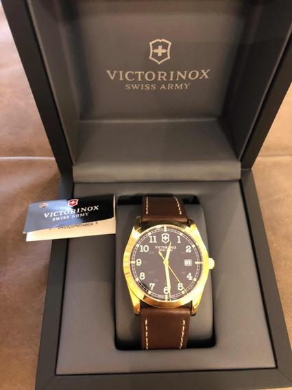 Relógio Victorinox Swiss Army Infantry Dourado