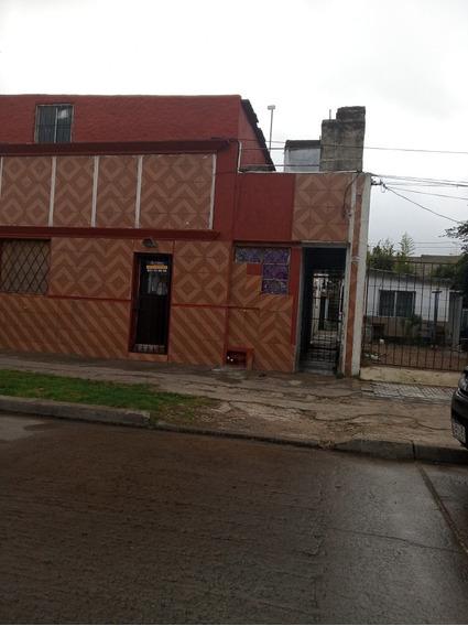 Maroñas !!! Casa En Dos Plantas, Azotea Con Parrillero