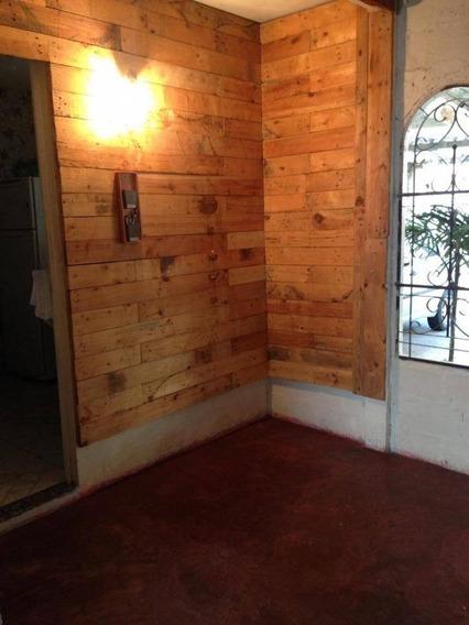 Linda Casa Com Terreno Amplo - Ca0460
