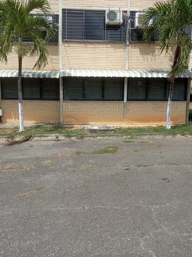 Alquier De Apartamento En Ciudad Casarapa 04241255764