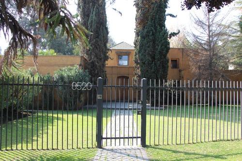 Imagen 1 de 30 de Espectacular Casa En Santa María De Manquehue