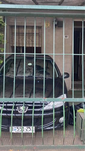 Casa 2 Dormitorios No Banco Punta Carretas -la Mejor Zona -