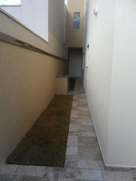 Casa Para Venda Em Poços De Caldas, Centro, 3 Dormitórios, 3 Suítes, 2 Banheiros, 3 Vagas - 2000/547 C