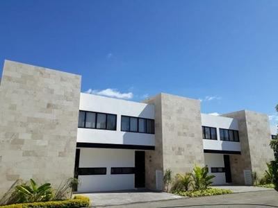 Hermosos Townhouses En Renta Ubicados En Altabrisa!!!