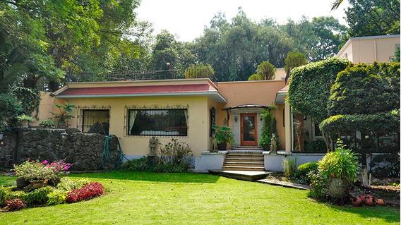 Hermosa Casa Con Jardín En Tepepan