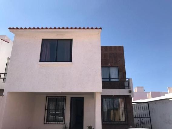 Casa Renta En Colonia Coto Del Cielo, Cerca De La Glorieta Santa Fe.