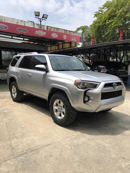 Toyota 4runner Sr5 4x4. 44.000$neg