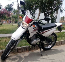 Vendo Moto Lineal Yamaha 2013