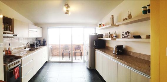 Amplio Apartamento (110m2) Cuarto Piso. Bien Ubicado.