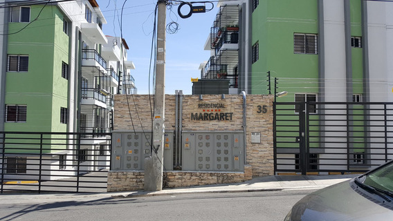 En Villa Marina, Apartamento De 90 Metros Y 4to. Piso