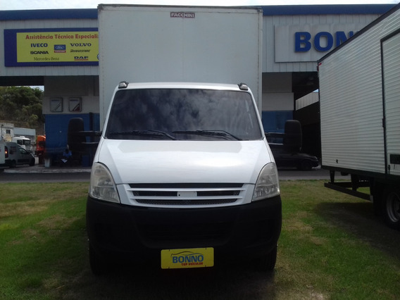 Iveco Daily 70c16cs C/ Baú 6,5mts - 2009/2009