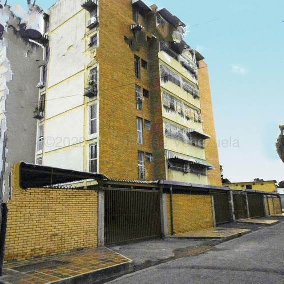 Apartamento Venta Residencia Coromoto Maracay 21-8782 Janv