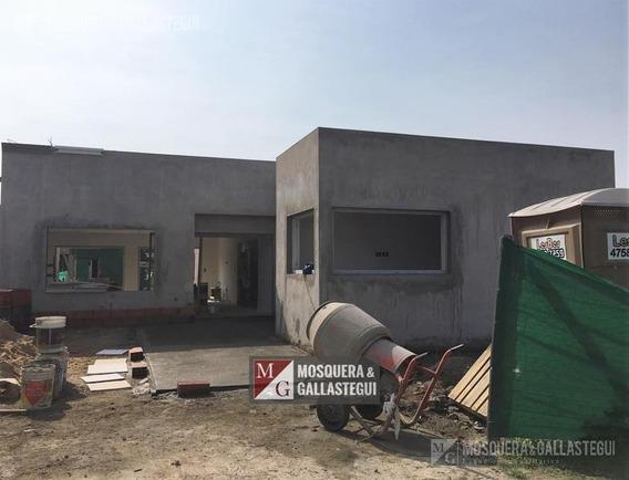 Mosquera Y Gallastegui - Casa Una Planta En Barbarita