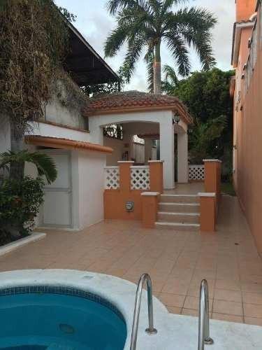 Oportunidad!! Bonita Casa Colonial En El Centro De Cancun C2525
