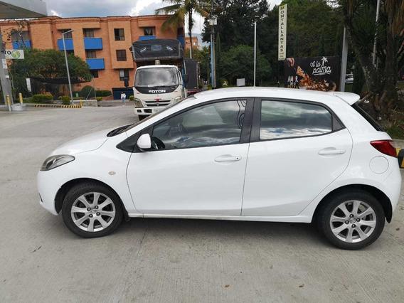 Mazda 2 2.011 En Excelente Estado