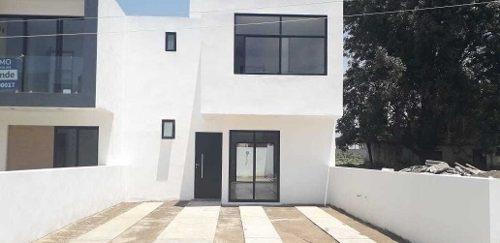 Casa En Venta En Zacatelco