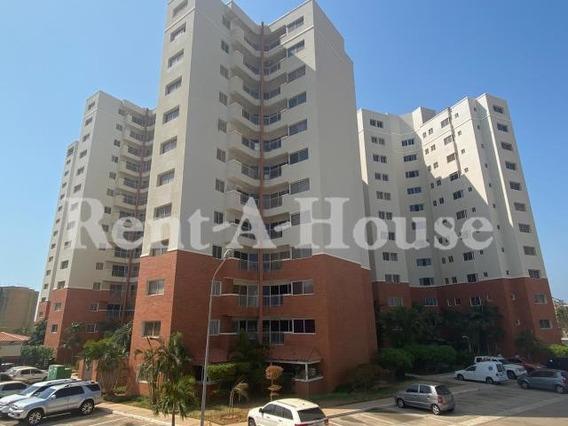 Apartamento En Venta Parque Santa Lucia / Wch