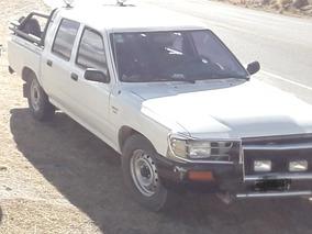Toyota Hilux 2.8 D/cab 4x2 D Dlx 2000