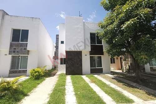 Casa En Venta En Fraccionamiento Privado Bonanza, Cluster 3