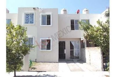 Acogedora Casa 3 Recamaras + 1, En El Frac. Residencial Las Conchas Frente A Real Del Sol ,