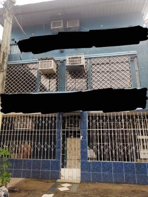 Edificio 3 Pisos 7 Baños Con Baldosa De Ceramica.