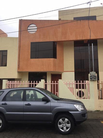 Casa De 3 Habitaciones 2 Baños Completos Y 1 Medio Baño