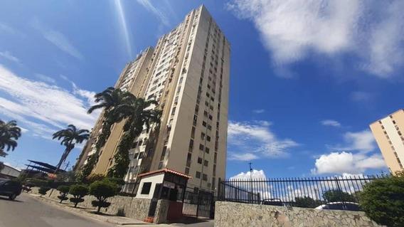Apartamento En Venta En Zona Este Barquisimeto Lara 20-6391