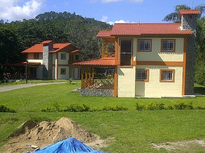 Casas De 3 Habitaciones En Jarabacoa